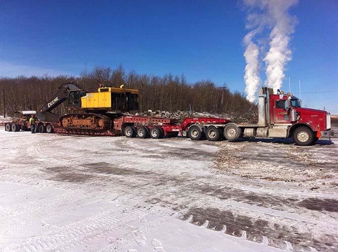 Hammerlund Construction Custom Heavy Hauling